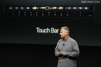 Apple新型MacBook Proは「Touch Bar」搭載