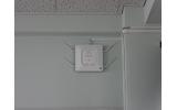 教室に設置されたアクセスポイントの画像