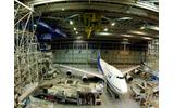 ANAの機体工場見学、東京ドーム1.8倍の格納庫でさまざまな飛行機に出会える