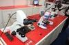 【NEE2013】4K対応のデジタル顕微鏡とフルHD対応の普及価格モデル、内田洋行