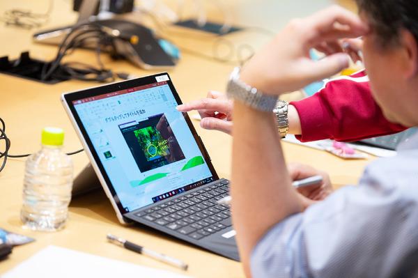 クラウド版で叶える一歩先の教材づくり…「Office 365」と「Surface」に隠された反転授業のヒント
