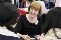 海外約100の大学が参加…通訳サポートつき留学フェア