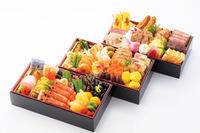 【年末年始】阪急百貨店、三世代向けなど332種類のおせち予約開始