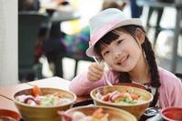 【子どものアレルギー4】身近な食材「にんにく」「ねぎ」が咳・腹痛の原因に? 画像