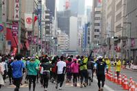 東京マラソン2016のサブイベント、12/8から小学生親子募集