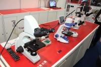 【NEE2013】4K対応のデジタル顕微鏡とフルHD対応の普及価格モデル、内田洋行 画像