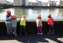 子どもを見守る安心と喜び、園と保護者を繋ぐ連絡帳アプリ「mimory」の効果とは
