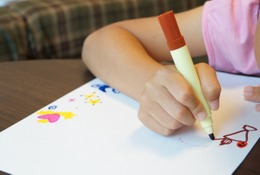 どう保存する?子どもの絵…インテリアや人形への加工サービスまとめ