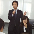 情報コミュニケーションの永野直教諭