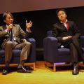 文部科学省大臣官房企画官 伊藤学司氏(左)とソフトブレーンの創業者でマネージメント・アドバイザーの宋文洲氏