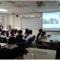 米国人教師と日本人教師の連携による授業の風景
