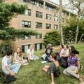 グループワークはキャンパスのさまざまな場所で行われた