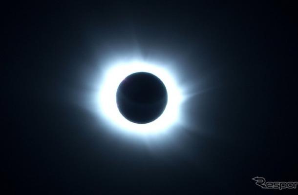 皆既日食(参考画像)