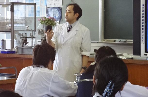 生物Iの長嶋健二教諭