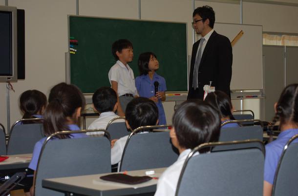 【算数】大野桂教諭と日直の児童
