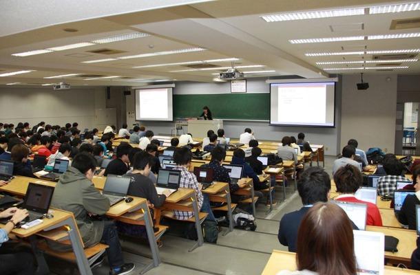 gaccoを利用し反転授業(東京工科大学)