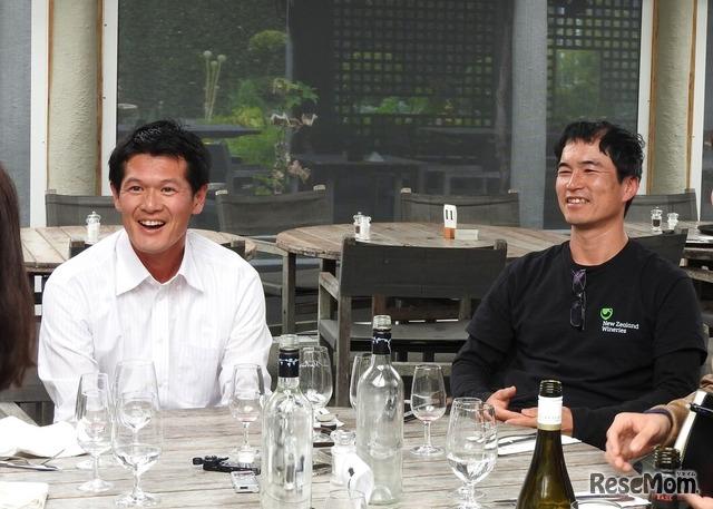 ニュージーランドの工科大学・ポリテクニックのひとつ「Nelson Marlborough Institute Technology」卒業生の安藤祐一氏(左)と岸田ヒロ氏(右)