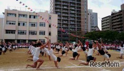 運動会 組体操のようす 画像提供:川村幸久