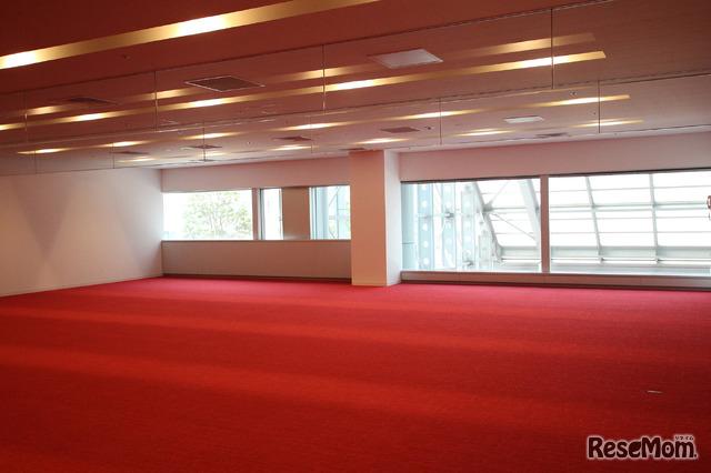 TGG 2階のテラス。ここでエージェントと出会い、アイスブレイクのための時間「チーム・ビルディング」が設けられる
