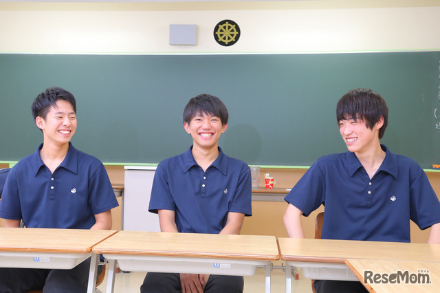 武蔵野大学附属千代田高等学院の第1期生のみなさん