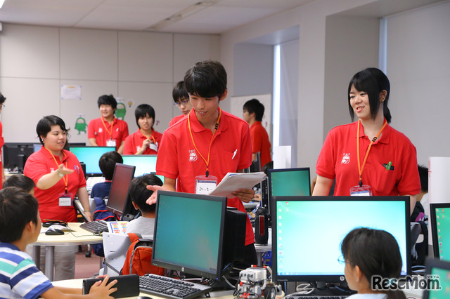 F@IT Kids Club×千葉工業大学プログラミングサマースクール2018のようす