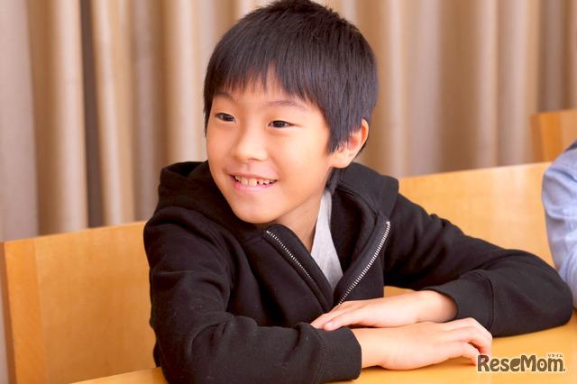 有賀さんの4年生の息子さん