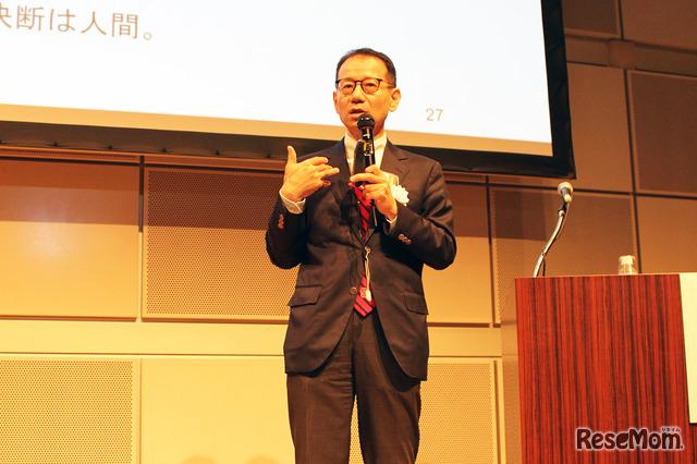 前文部科学大臣補佐官で、現在、東京大学と慶應義塾大学の教授である鈴木寛氏