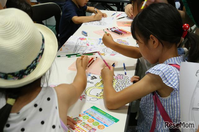 岩倉高等学校「電車のぬりえで下じきづくり」は未就学児に大人気