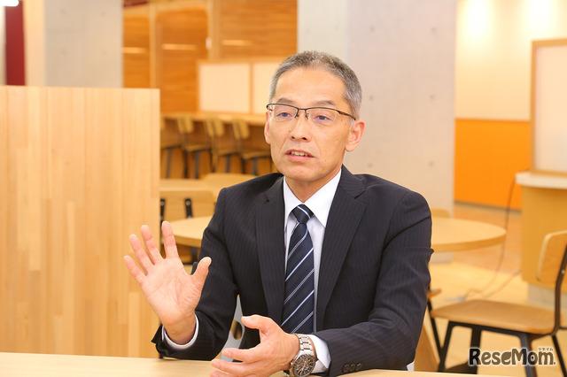 ドルトン東京学園の安居長敏先生(参事)