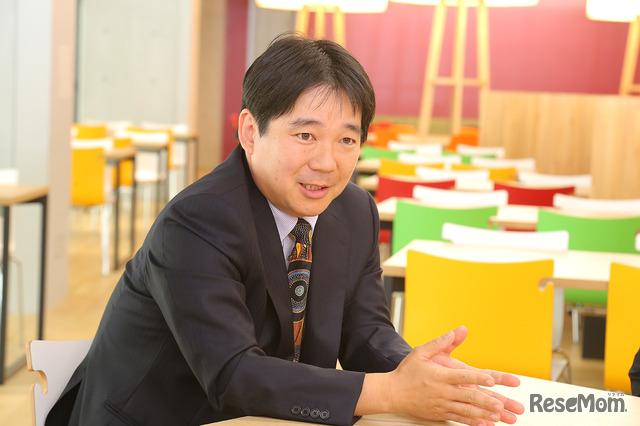 ドルトン東京学園の風間健志先生(理科)