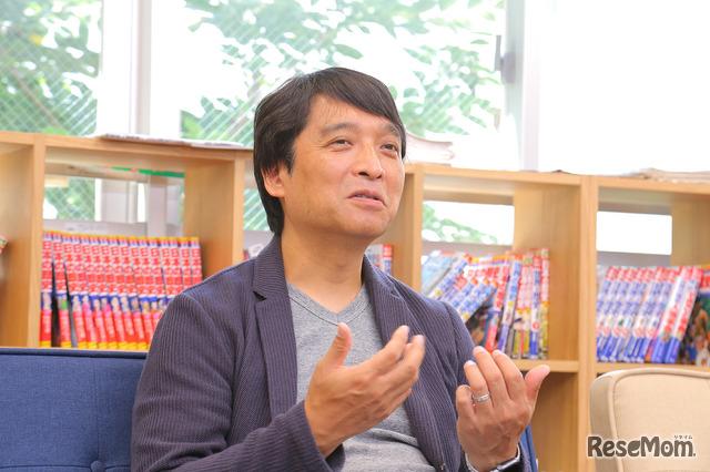 新渡戸文化学園で英語を担当する山本崇雄教諭