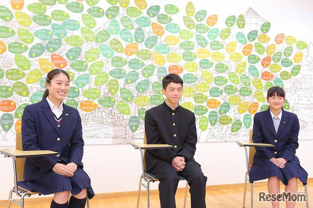 インタビューに応える湘南高校の生徒たち