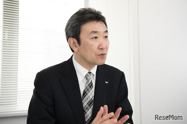 インタビューに応える樋浦忠司部長