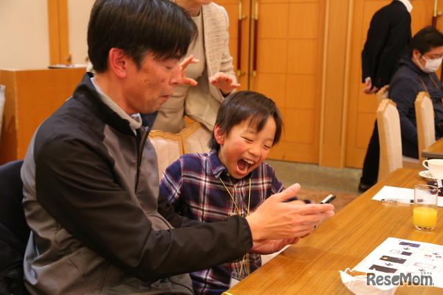 「家族三世代で楽しめるTikTokセミナー~世代を超えていっしょにTikTok!シニアも中高生親子も三世代いっしょに繋がろう~」のようす