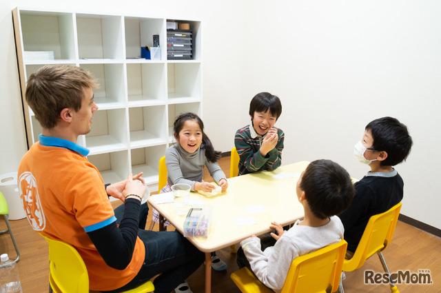 会話が弾み、自然と笑顔になる子どもたち
