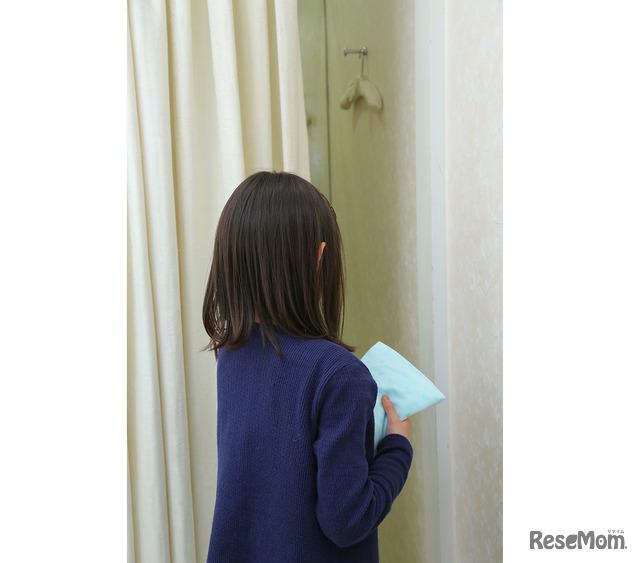 ワコール「10歳の初ブラデート」初ブラを試着する