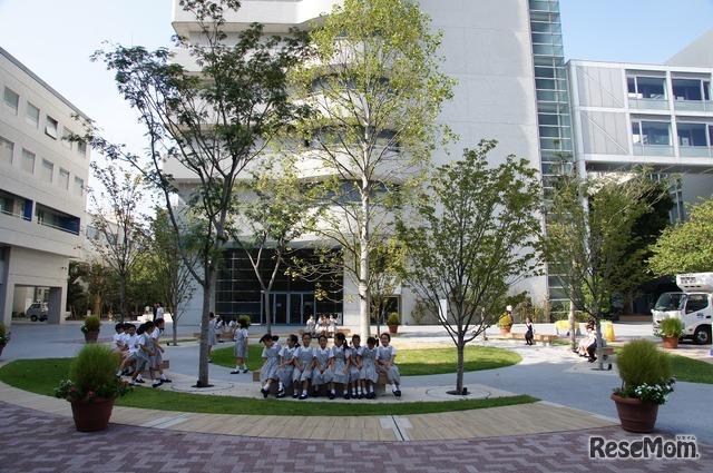 昭和女子大学では、付属のこども園から大学院まで一貫して教育のグローバル化を目指して、「スーパーグローバルキャンパス」を構築している