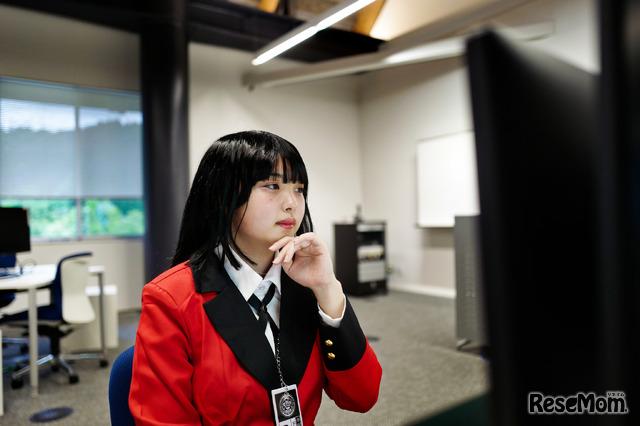 国際高専2年生の山崎史依さん