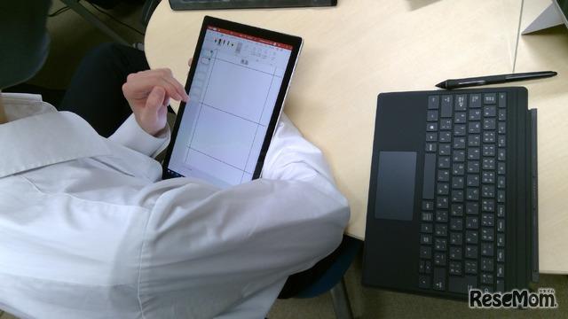 生徒は用途に合わせキーボードを着脱して作業にあたる